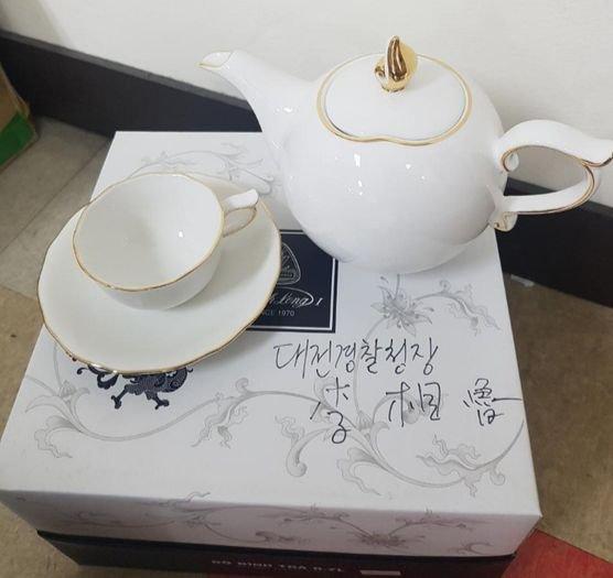 이상로 대전경찰청장 베트남 전통 주전자·찻잔