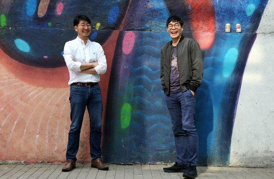 박찬일(오른쪽) 셰프와 박준우 셰프. 두 스타 셰프도 위아자 나눔장터에 동참했다. 손민호 기자