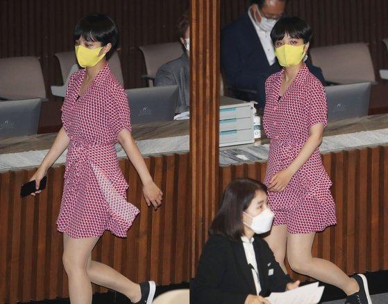 류호정 정의당 의원이 지난달 4일 서울 여의도 국회에서 열린 본회의에서 회의장을 나가고 있다. [뉴시스·연합뉴스]
